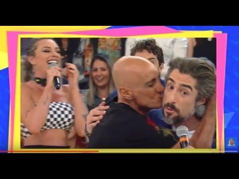 Amin Khader invade o palco do Legendários e surpreende Marcos Mion