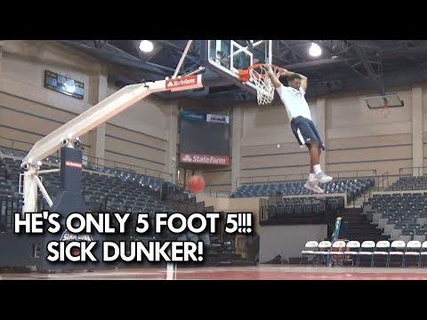 "5'5"" THROWING DOWN DUNKS! Junior Robinson has BOUNCE!"