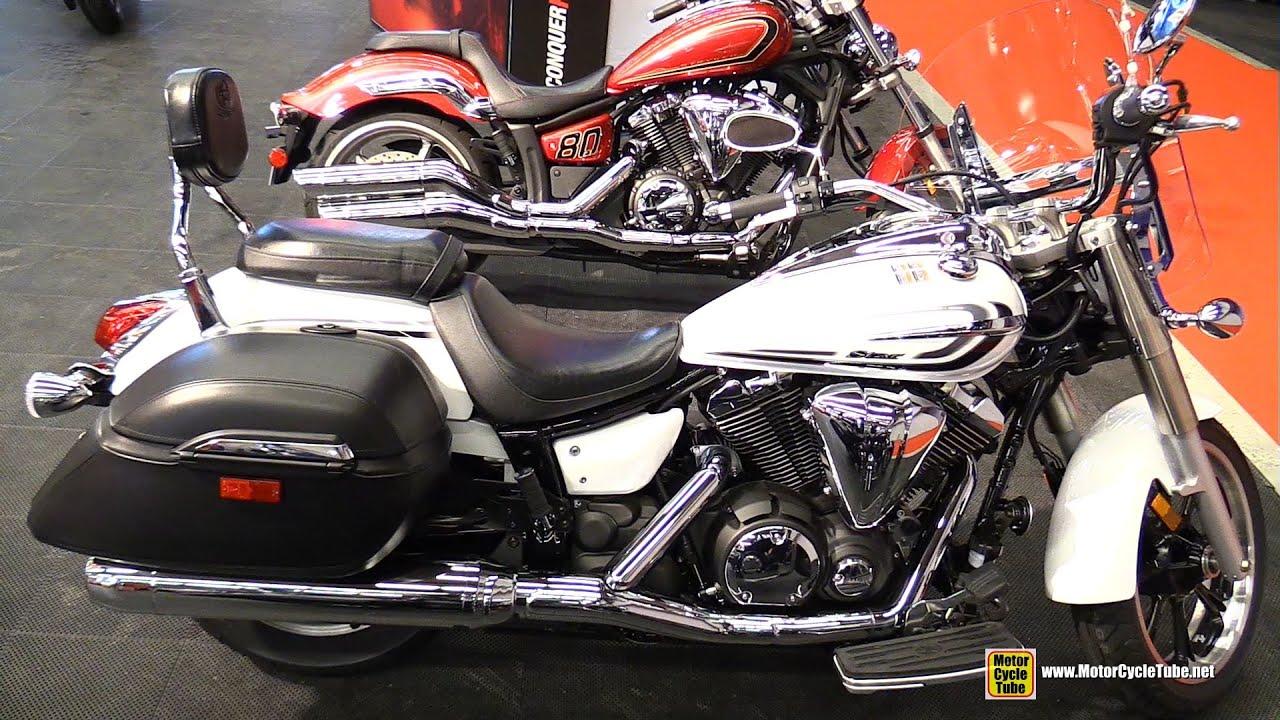 2015 yamaha v star 950 tourer walkaround 2015 2015 salon moto de montreal youtube. Black Bedroom Furniture Sets. Home Design Ideas