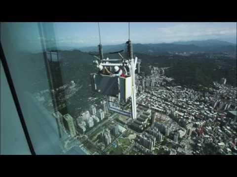 Bie nga kati i 47, shpëton - Top Channel Albania - News - Lajme
