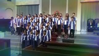 "Gabungan siswa Methodist 5 medan  lagu Mandarin ""WO MEN AI"""