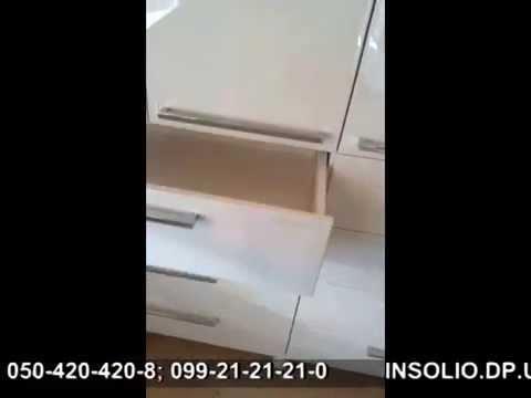 Белые глянцевые комоды идеально впишутся в интерьер квартиры, дизайн которой выполнен в светлых тонах. Купить комоды белый глянец в спальню в москве по цене производителя от интернет-магазина лайфмебель.