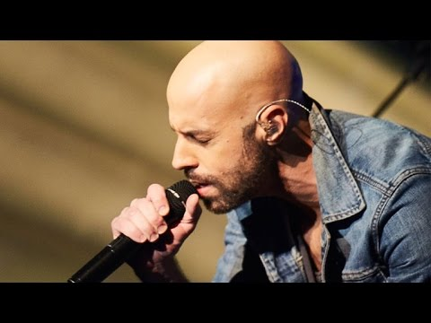 EXCLUSIVE: Watch Daughtry Deliver a Soulful Acoustic Cover of Zayn's 'Pillow Talk'