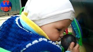 VLOG Baby Surprise The first steps of the little girl Episode 1 Девочка Сюрприз Серия 1 *