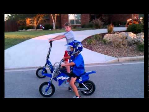 Ezip 1000 Vs Razor Mx350 Dirt Bike Youtube