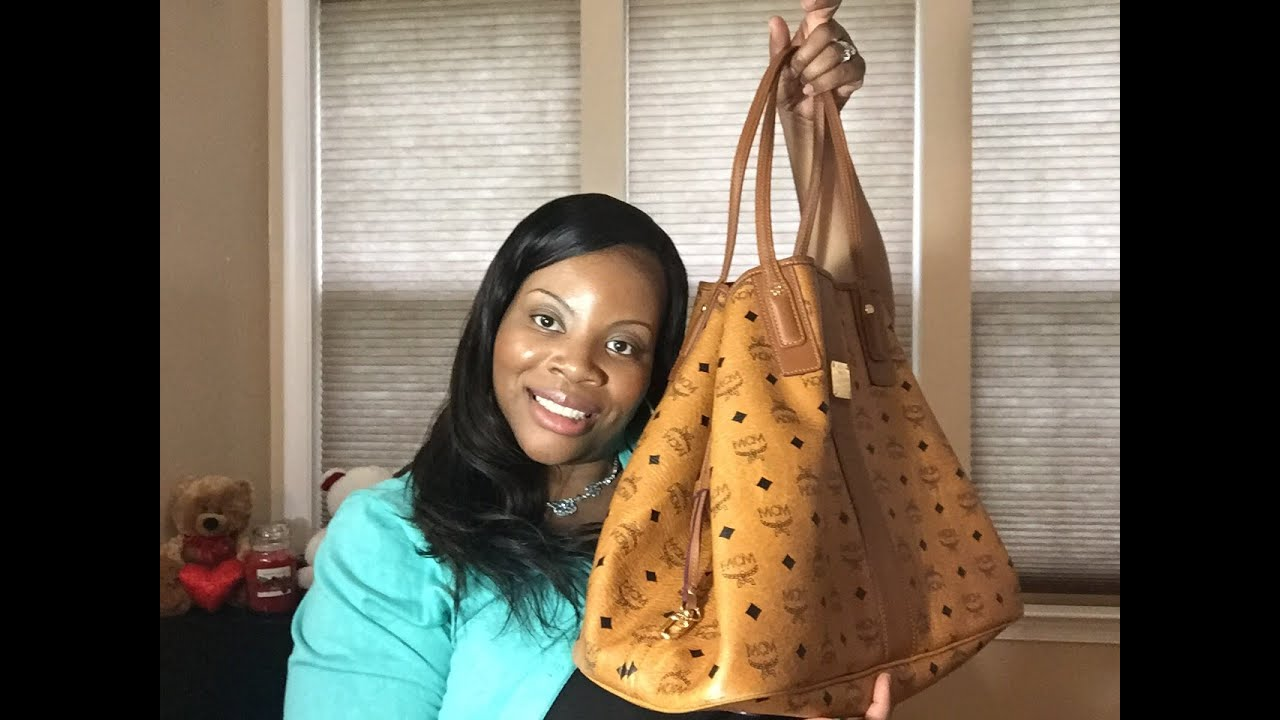 93ce340cc4639 MCM LARGE LIZ REVERSIBLE SHOPPER TOTE 1 YEAR REVIEW👜 - YouTube