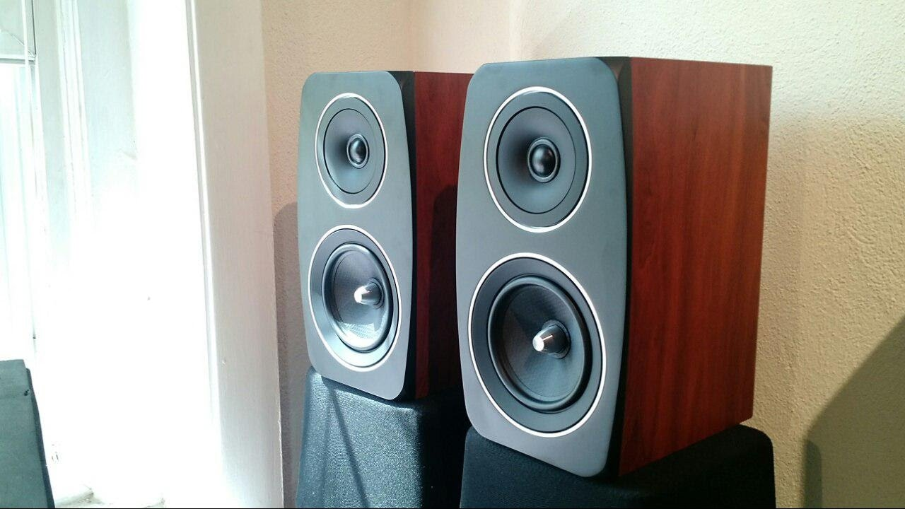 Z Review - Jamo C93 [The Emma Watson of Speakers]