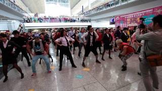 香港國際機場15週年快閃舞  Flash Mob Dance for the 15th Anniversary of the Hong Kong International Airport