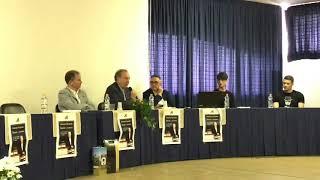 """Doppio bagno di folla per Michele Mirabella, il professore incanta con le """"Poesie a memoria"""""""