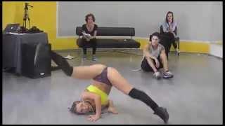 танец попой русской студентки.  Russian students dance booty