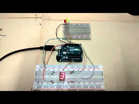 Arduino - Semáforo con display 7 segmentos