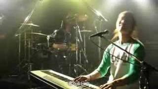 下北沢を中心に活動している ピアノトリオバンドの奇跡が今ここに! 最...