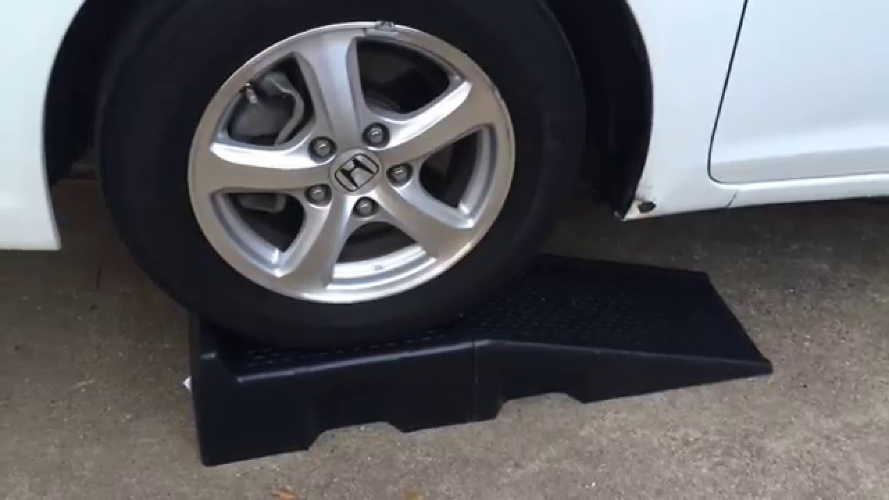 Ramp For Car >> Harbor Freight Plastic Car Ramps - YouTube