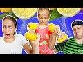 ЛИМОН ЧЕЛЛЕНДЖ Кого ОБРЫЗГАЛИ ЛИМОНОМ? очень КИСЛЫЙ челлендж от Family Box Смешная Семейная игра