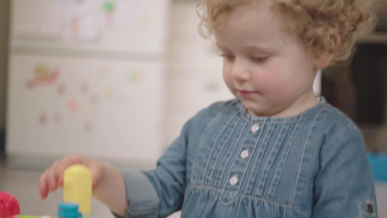 Детская игрушка развивающая Chicco говорящий столик
