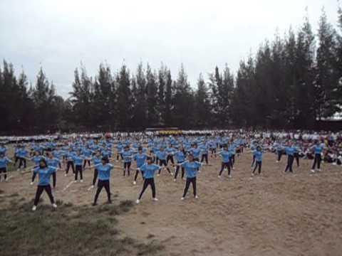 Đồng diễn thể dục nhịp điệu nữ trường THPT Lê Hồng Phong