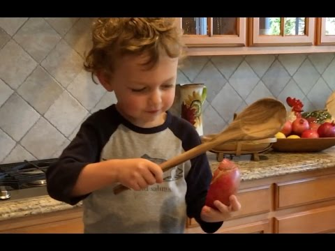 Pomegranates: Whacking the Seeds Out