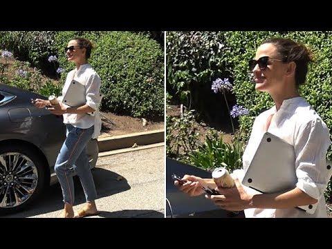 EXCLUSIVE  Jennifer Garner Is Asked How She's Adjusting To Ben's New Girlfriend, Lindsay Shookus