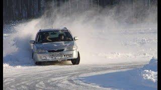 Занос автомобиля зимой. Как действовать при заносе?(Занос автомобиля и его неуправляемое движение приводит к ужасу всех водителей. Что нужно делать если машин..., 2015-06-24T13:46:05.000Z)