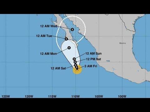 La tormenta tropical Norma se intensifica y avanza hacia Baja California