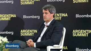 Argentina Finance Minister: Holdouts Should Extend Payment Deadline