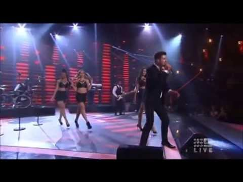 MVP's Bree Robertson performs with Robin Thicke on The Voice Australia Grand Final