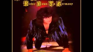 1995-10-22 - Leipzig, Germany (Ritchie Bows to Germany)