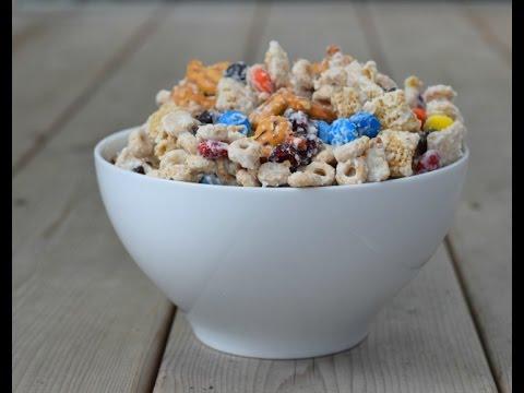 White Chocolate Pretzel Goldfish® Cracker Party Mix Recipe