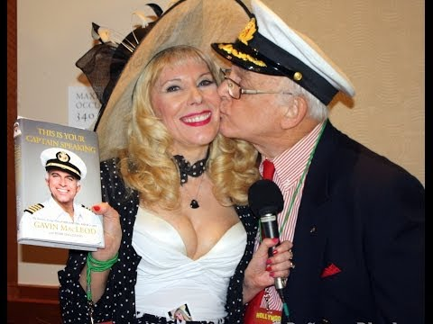 Gavin MacLeod of The Love Boat with Dr. Susan Block at The Hollywood Show 2014