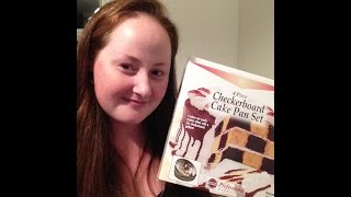 Review of Checkerboard Cake Pan Set