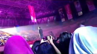 "[151107] ERU Sang ""Kemesraan"" at JAKARTA CONCERT 2015 'HAPPENING'"