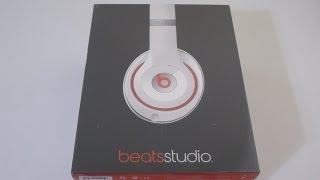 First Look: NEW Redesigned Beats Studio v2 in WHITE unboxing(Please thumbs up, subscribe, & share with friends on social media. #newbeatsstudio Get it here for less: ..., 2013-08-01T22:09:44.000Z)