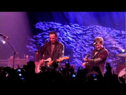 "The Gaslight Anthem and Bruce Springsteen - ""American Slang"" - Asbury Park, NJ 12-9-11 (HD)"
