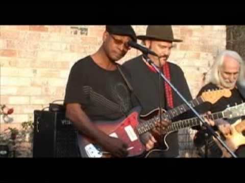 Pam Jam on the Drums w/ Guy Schwartz & Leonard Brown @ BluesGuy