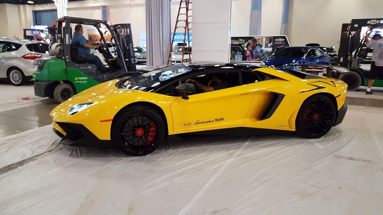 Miami Car Show >> Lamborghini Miami Rolling To Miami Auto Show 2016 Lamborghini Pagani Bugatti Behind The Scenes