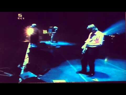 R.E.M Undertow Live