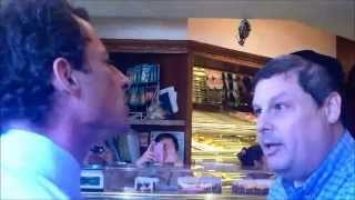 Anthony Weiner Explodes In Shouting Match With Jewish Voter thumbnail