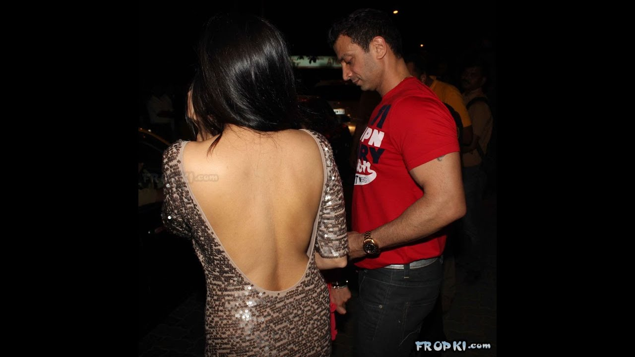 Bollywood Actresses SHOCKING WARDROBE MALFUNCTIONS Oops