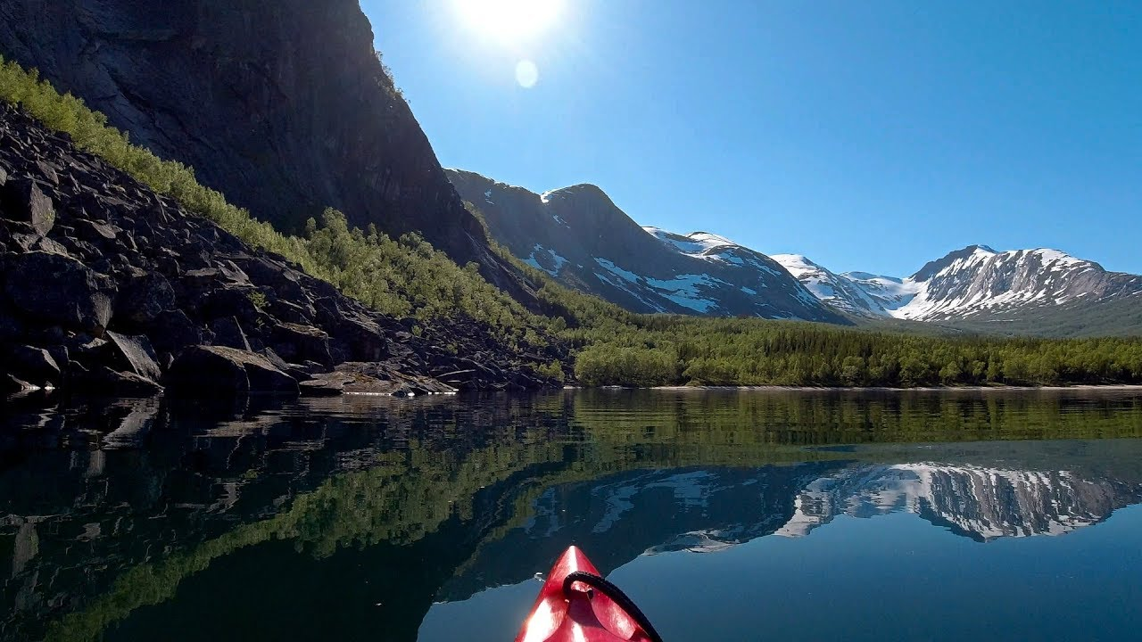 Kayaking around Kobbvatnet lake