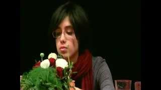 علياء العارية تمثل المرأة المصرية بالسويد