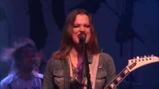 Halestorm - Innocence (Live - Trix Hall - Antwerpen - Belgium - 2014)