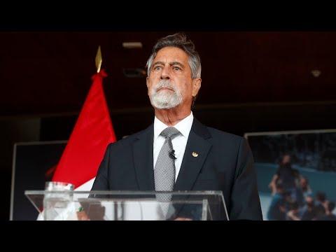 """Presidente Sagasti: """"En democracia, las Fuerzas Armadas no son deliberantes"""""""