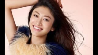 日本のモデル山田優の画像のスライドショーです。 Japanese model Yu Ya...