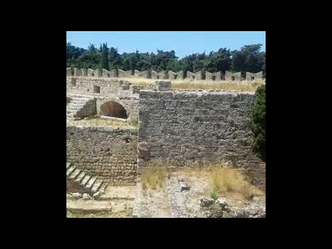 Крепостные стены старого города. Родос. 2018