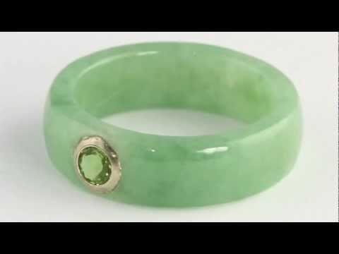 10k Gold Green Jade and Peridot Ring. http://bit.ly/377csoh