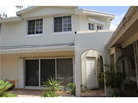 Fort Lauderdale Townhome for Sale $250,000 in Harbordale Neighborhood