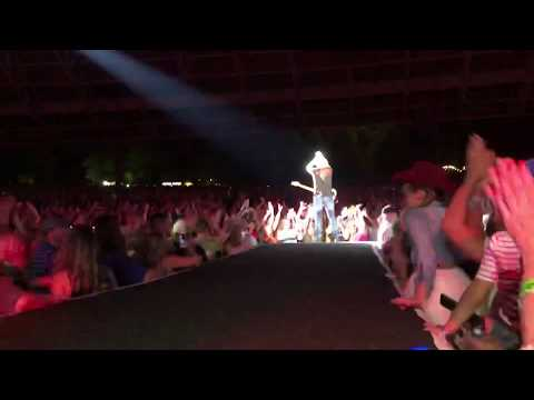 Brad Paisley - Old Alabama (live at the Blossom Music Center) mp3