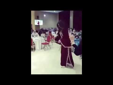 رقص شعبي مغربي خطير على انغام الركادة😥😥😥😥 thumbnail