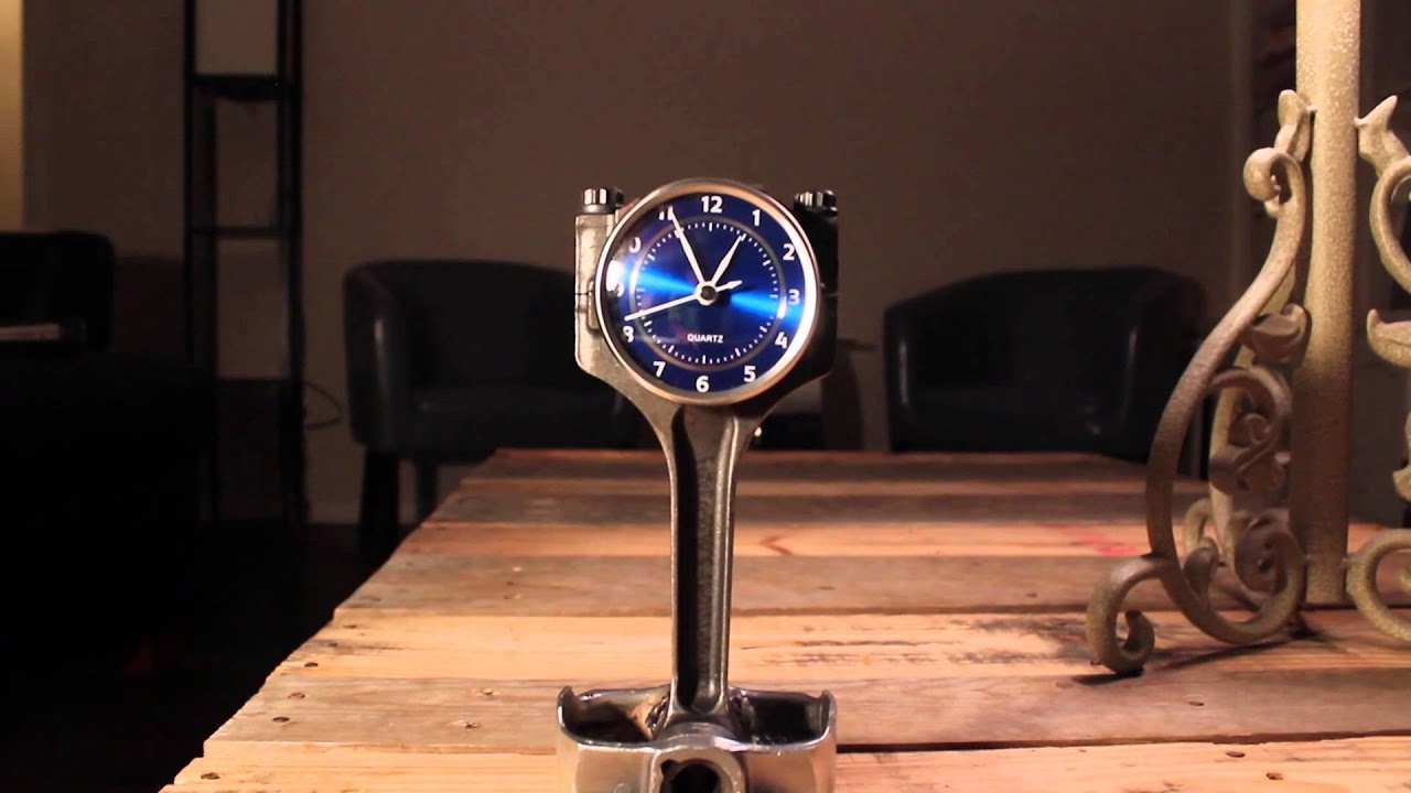 Creative Coyote Mustang Piston Clock