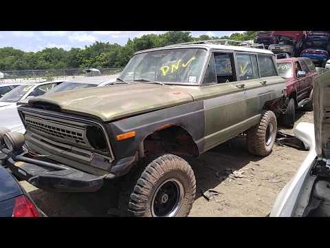 1972 Jeep Wagoneer Junk Yard Find